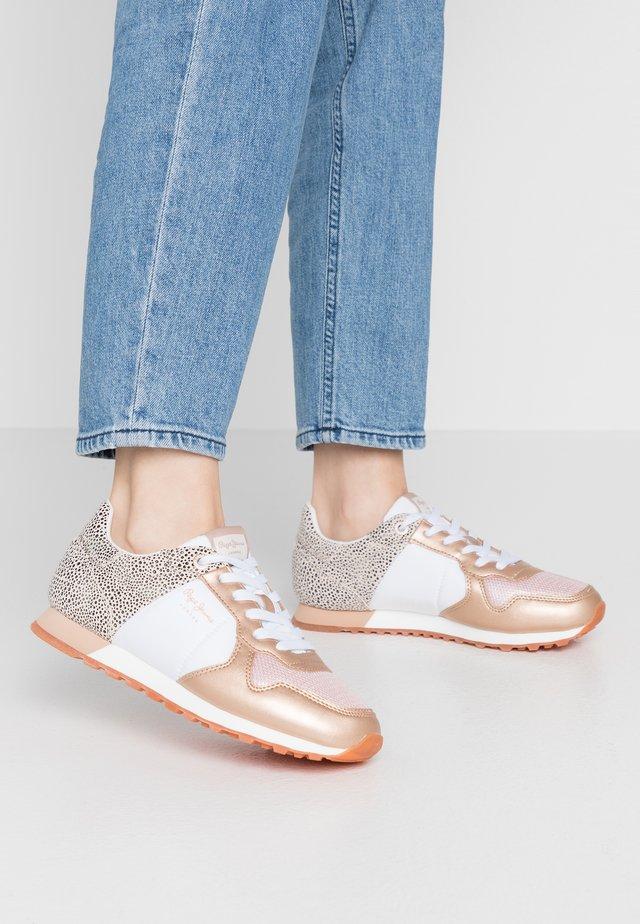 VERONA - Sneakersy niskie - pink