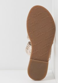 Pepe Jeans - MARCH METS - Pantofle - champagne - 6