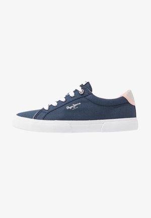 KENTON BASIC WOMAN - Sneakersy niskie - indigo