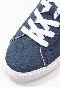 Pepe Jeans - KENTON BASIC WOMAN - Sneakersy niskie - indigo - 2
