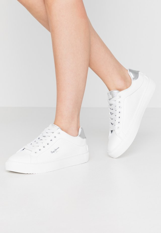 ADAMS LAMU - Sneakers laag - white