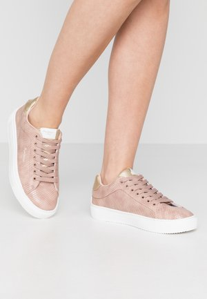 ADAMS LAMU - Sneakersy niskie - light pink