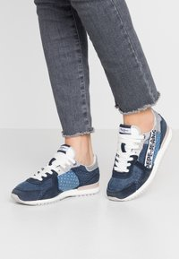 Pepe Jeans - TINKER TAPE WOMAN - Zapatillas - dark denim - 0