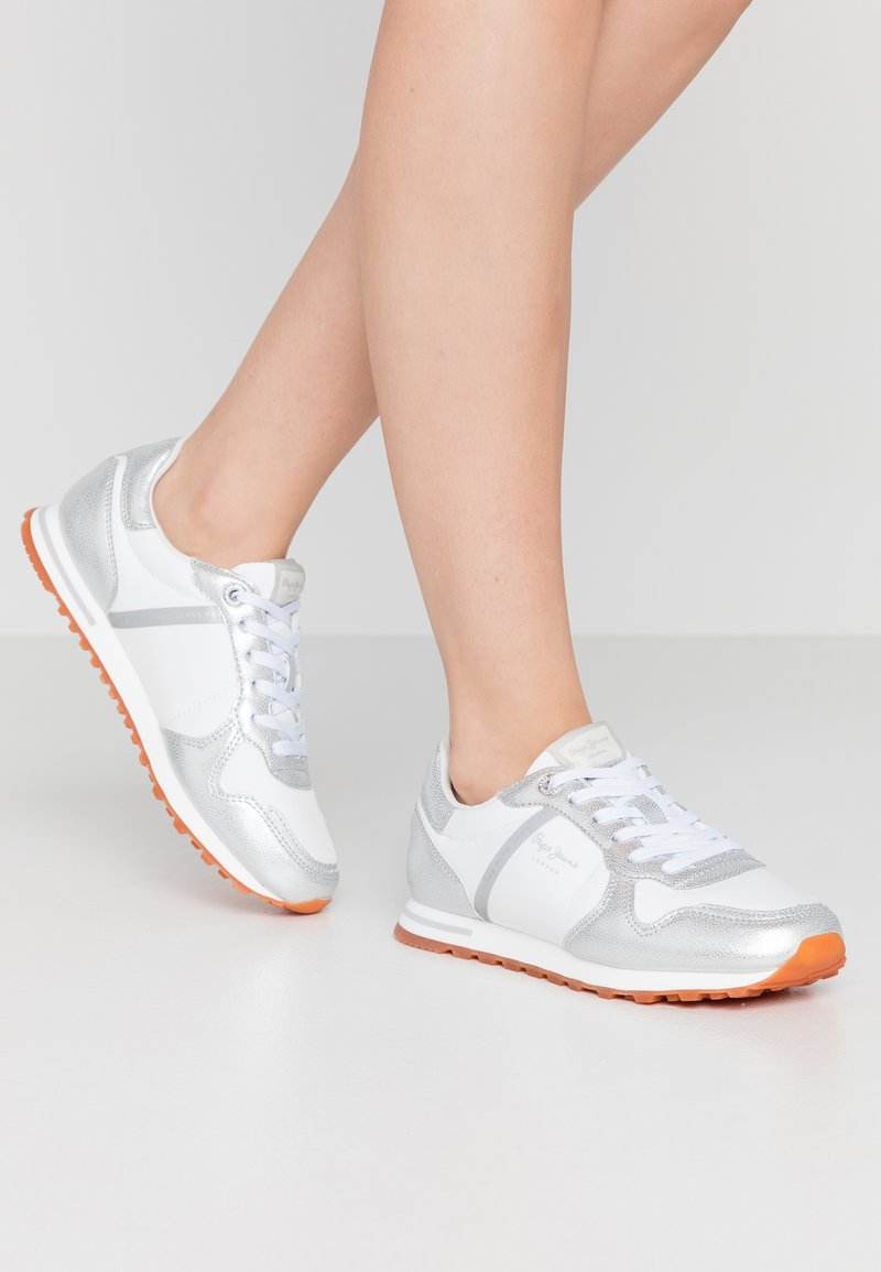Pepe Jeans - VERONA - Trainers - silver