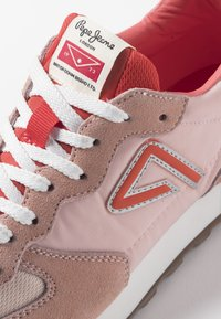 Pepe Jeans - KLEIN ARCHIVE SUMMER - Baskets basses - coral - 6