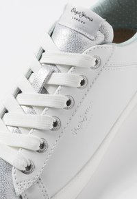 Pepe Jeans - KIOTO ONE - Trainers - silver - 6