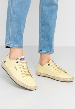 TOURIST ISLAND - Espadryle - fresh yellow
