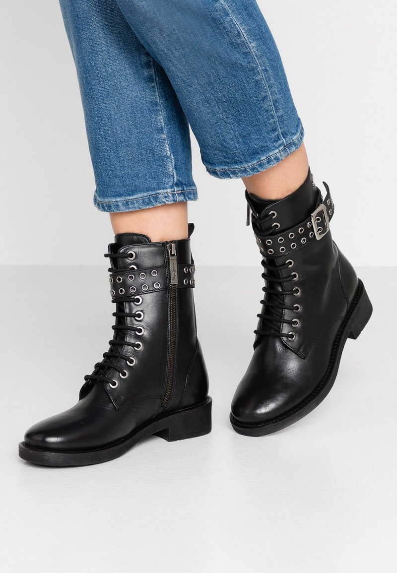 Pepe Jeans - MADDOX BASS - Cowboy/biker ankle boot - black