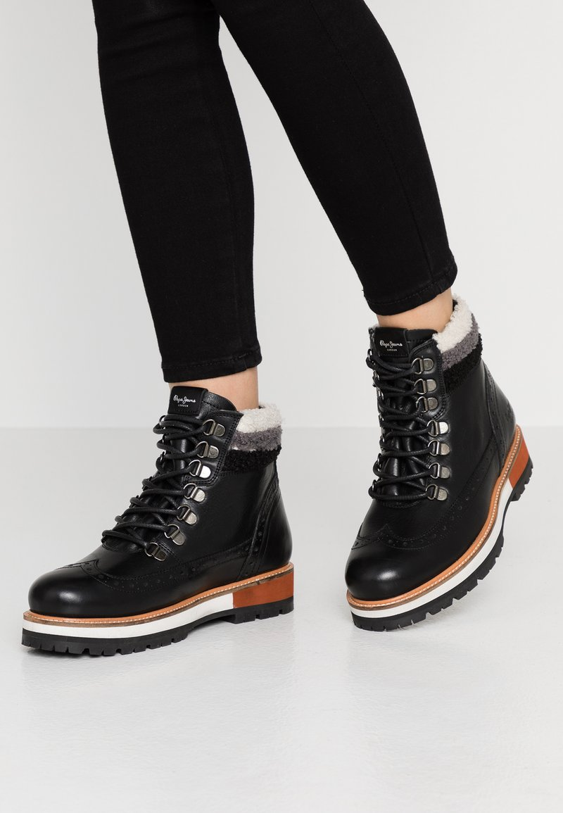 Pepe Jeans - MONTREAL HYKE - Platform ankle boots - black