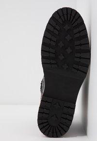Pepe Jeans - MONTREAL HYKE - Kotníkové boty na platformě - black - 6