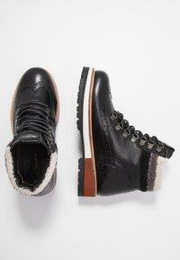 Pepe Jeans - MONTREAL HYKE - Kotníkové boty na platformě - black - 3