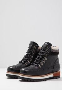 Pepe Jeans - MONTREAL HYKE - Kotníkové boty na platformě - black - 5