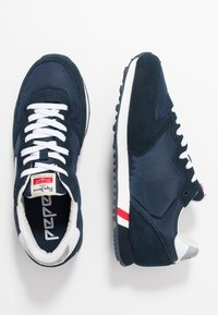 Pepe Jeans - KLEIN ARCHIVE WASHED - Trainers - navy - 1