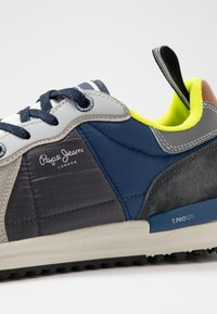 Pepe Jeans - TINKER PRO  - Baskets basses - bright blue - 5