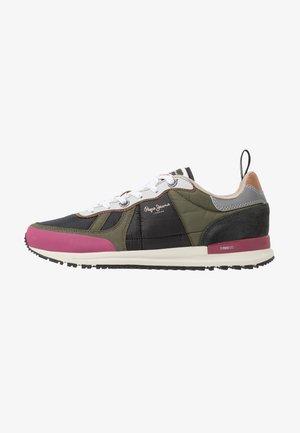 TINKER PRO  - Sneakersy niskie - khaki green