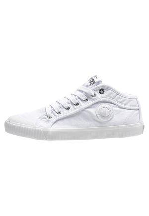 INDUSTRY CLASSIC - Zapatillas - blanco