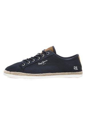 MAUI BASIC - Casual lace-ups - navy blue