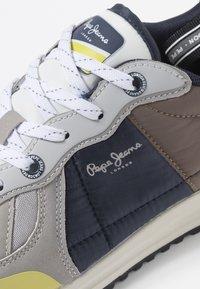 Pepe Jeans - TINKER PRO SUP - Sneakersy niskie - light grey - 5