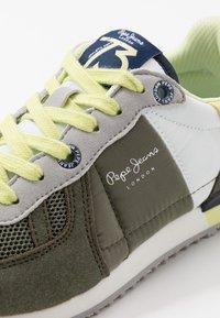 Pepe Jeans - SYDNEY BASIC BOY - Tenisky - khaki green - 2
