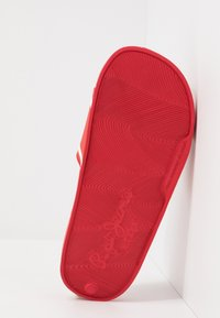 Pepe Jeans - SLIDER LOGO - Pantolette flach - red - 5