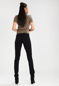 Pepe Jeans - NEW BROOKE - Jeans slim fit - black - 2