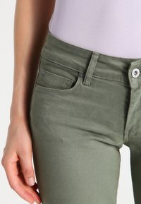 Pepe Jeans - SOHO - Jeans Skinny Fit - army - 3