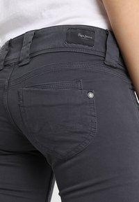 Pepe Jeans - VENUS - Tygbyxor - deep grey - 5