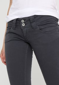 Pepe Jeans - VENUS - Tygbyxor - deep grey - 3