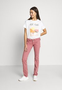 Pepe Jeans - VENUS - Trousers - washed pink - 1