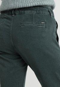 Pepe Jeans - CRUSADE - Broek - eclipse - 5