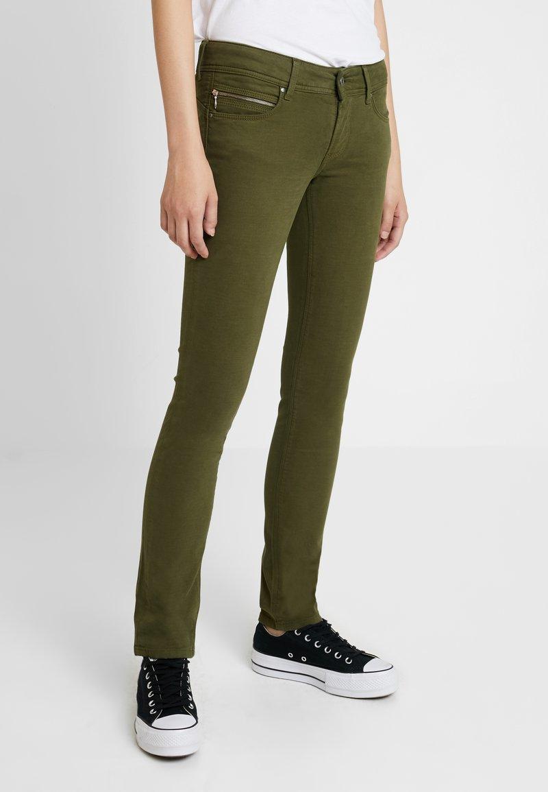 Pepe Jeans - KATHA - Tygbyxor - olive