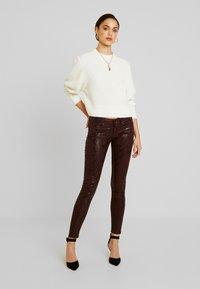 Pepe Jeans - PIXIE VIPER - Broek - burgundy - 1