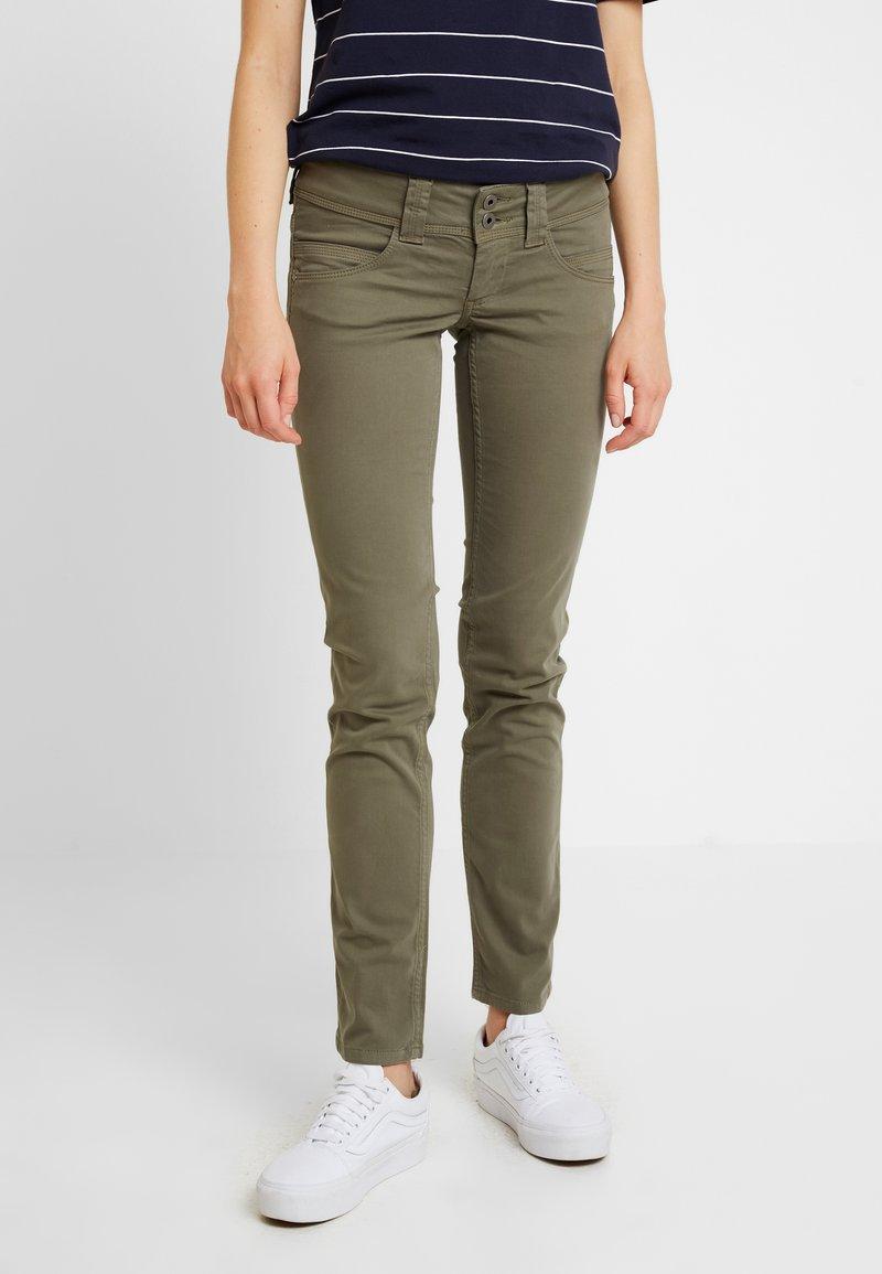 Pepe Jeans - VENUS - Tygbyxor - khaki