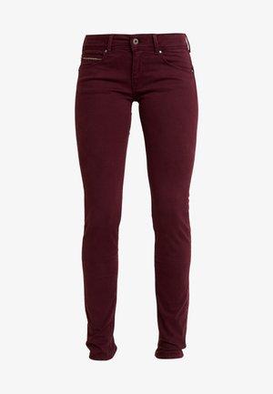 KATHA - Pantalon classique - bordeaux