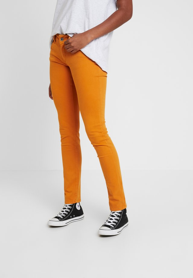 KATHA - Pantalones - ochre