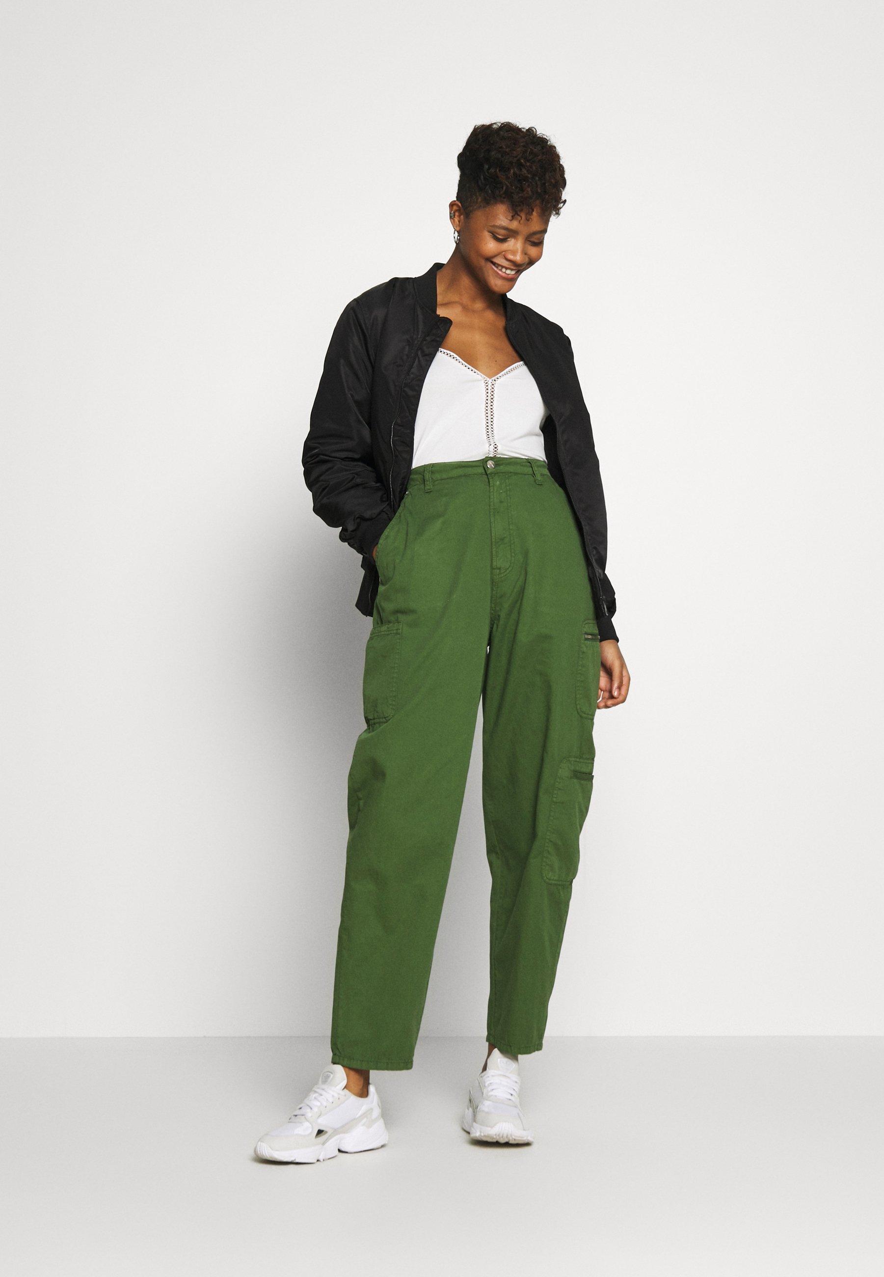 WE Fashion Spodnie materiałowe - white/green