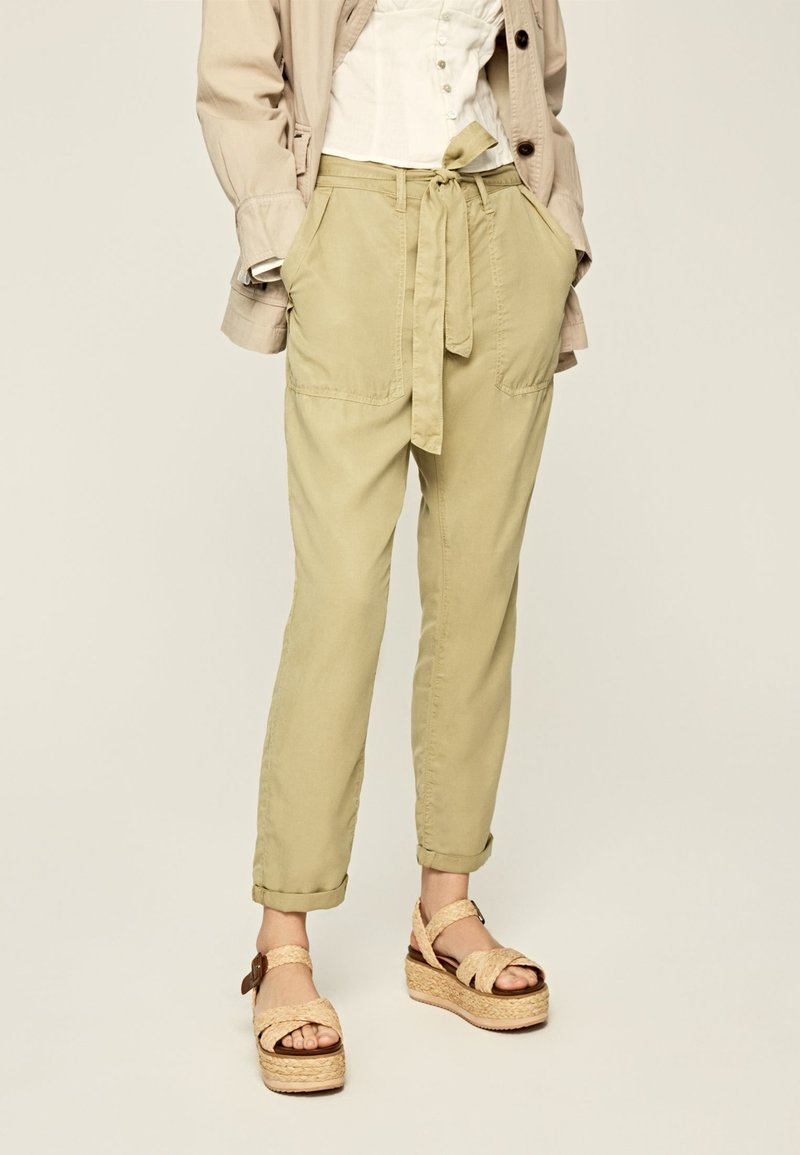 Pepe Jeans - DRIFTER - Trousers - herb