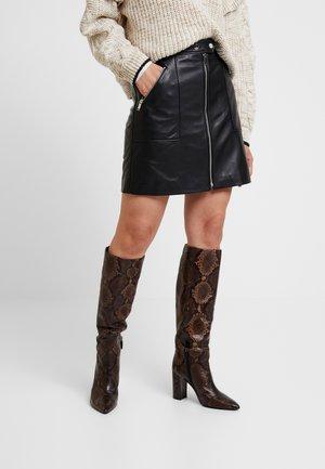 JACKSON - Leather skirt - black