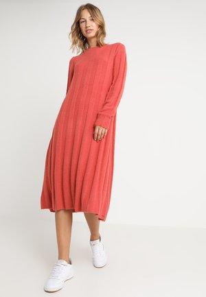 EVIE - Jumper dress - poppy