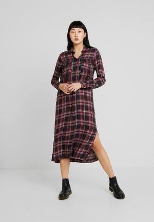 MIRIAM - Shirt dress - black/red