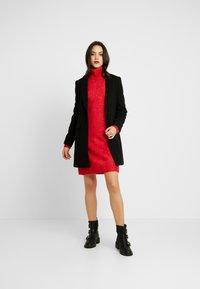 Pepe Jeans - WUCHER - Sukienka dzianinowa - lipstick red - 2