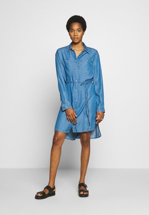 LUSH DRESS - Sukienka jeansowa - blue denim