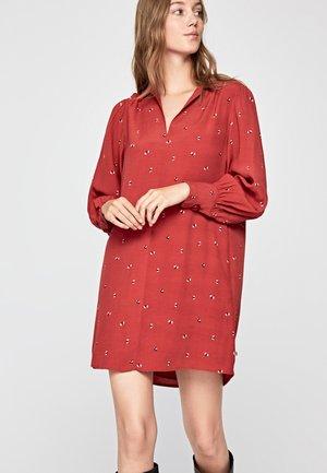 LOUISE - Korte jurk - red