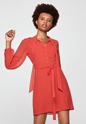 SHELLY - Korte jurk - lipstick red