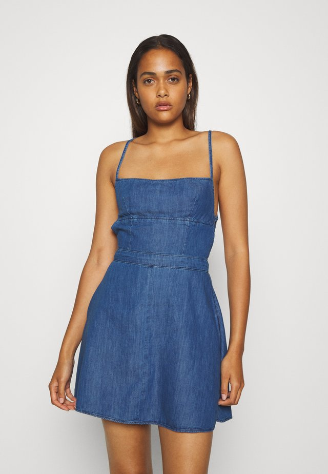DAZZLE - Denimové šaty - denim