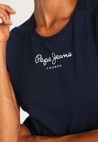 Pepe Jeans - NEW VIRGINIA - T-shirt z nadrukiem - navy - 3