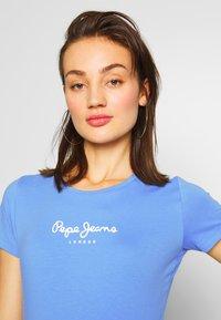 Pepe Jeans - VIRGINIA NEW - T-shirt z nadrukiem - ultra blue - 4