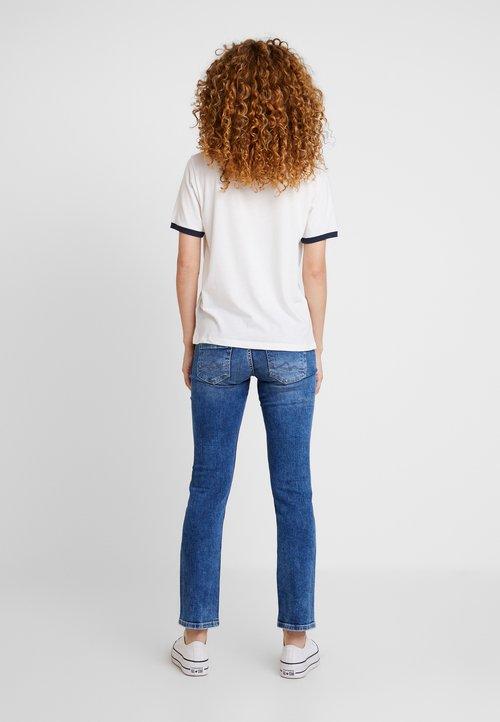 70% ZNIŻKI Pepe Jeans MILA - T-shirt z nadrukiem - mousse Koszulki i Topy QDBG-FB7