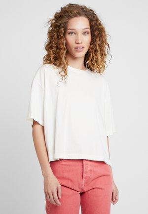 DUA LIPA X PEPE JEANS - Basic T-shirt - white