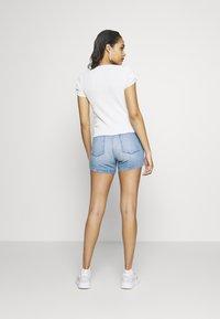 Pepe Jeans - DUA LIPA x PEPE JEANS - Triko spotiskem - white - 2